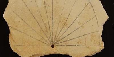 Objeveny nejstarší sluneční hodiny